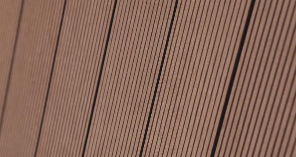WPC Holzfassade braun