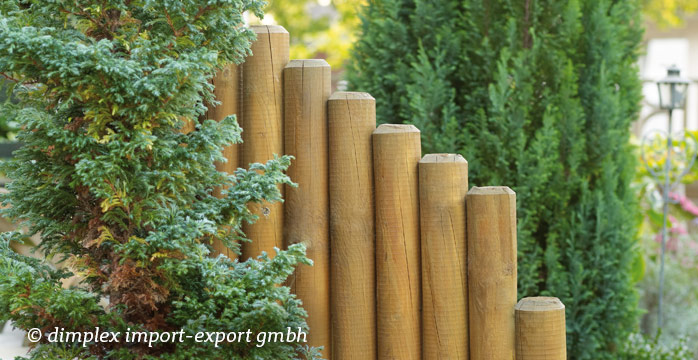 Palisaden als Holzwand oder Beeteinfassung